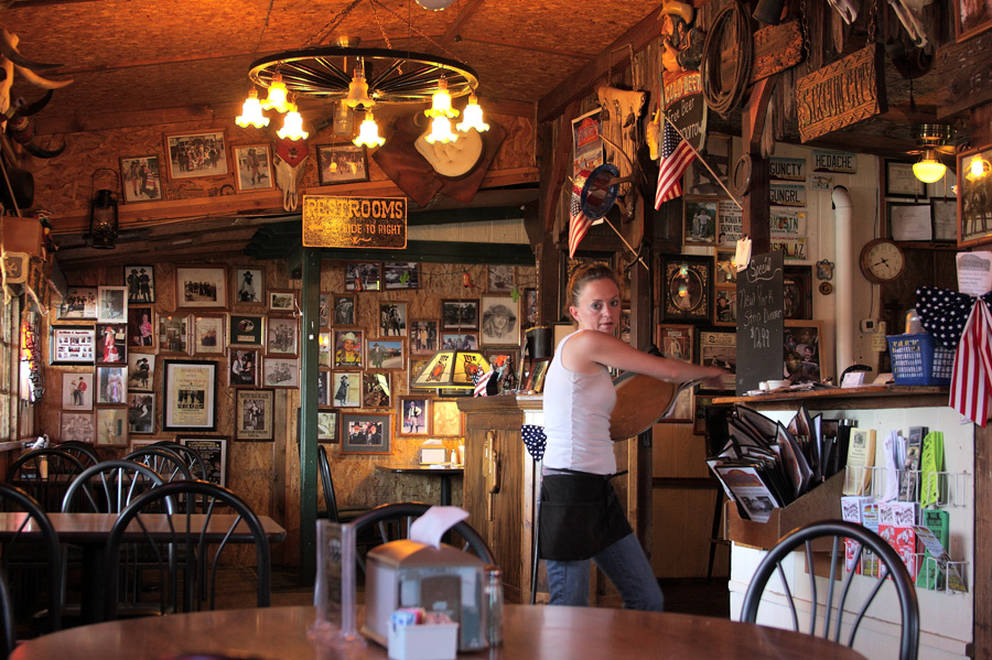 Leah preps for a busy Saturday night crowd at the Six Gun City Restaurant in Tombstone, Ariz. Photo by Jain Lemos.